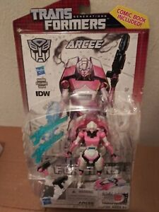 Transformers Generations Deluxe ARCEE Brand New MOC (Cracked Bubble)
