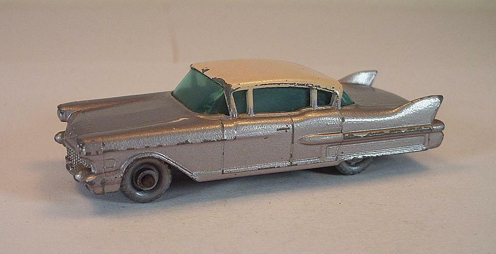 MatchBox Regular Wheels Nr. 27 C Cadillac Sixty metal Silber schwarz Base SPW  295
