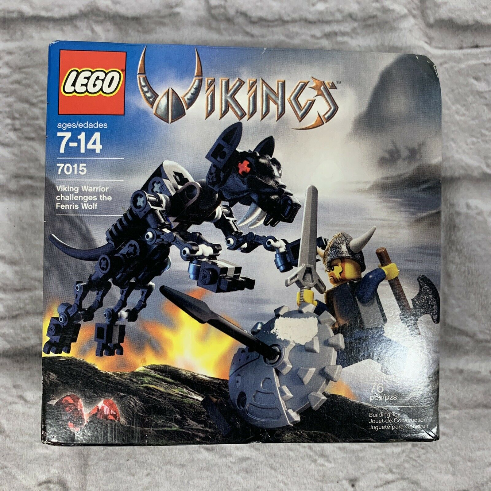 NIB Lego Vikings 7015   Viking Warrior challenges the Fenris Wolf