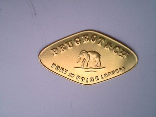 grand ecusson logo plaque moulin a cafe peugeot pond de roide