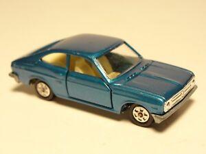 Vtg-Tomica-Tomy-Blue-Sunny-1200-GX-No-8-W-Rare-1E-Wheels-Tires-Die-cast-Car