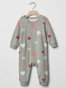 5a790ee590e GAP Baby   Toddler Girls Size 18-24 Months Gray Heart Valentine One ...