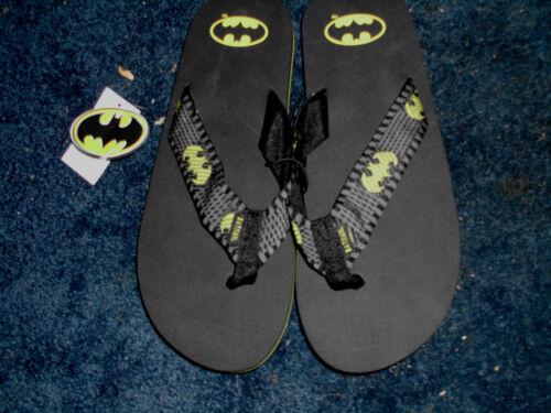 Men/'s New D.C Comics Batman Logo No Slip Flip Flops Size M or L