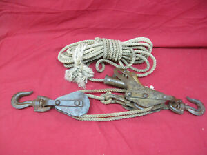 Vintage-Working-Cast-Iron-Block-and-Tackle-with-Brake