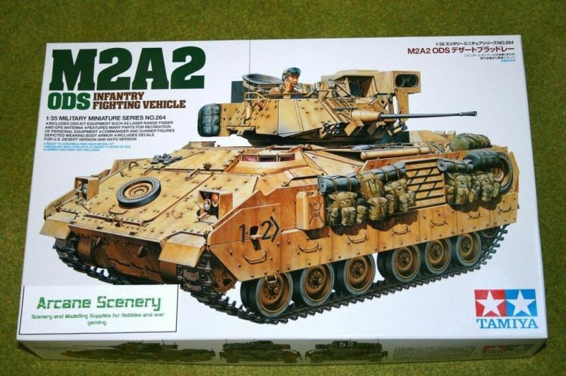Tamiya M2A2 ODS INFANTRY FIGHTING VEHICLE 1 35 Scale Kit 264 D