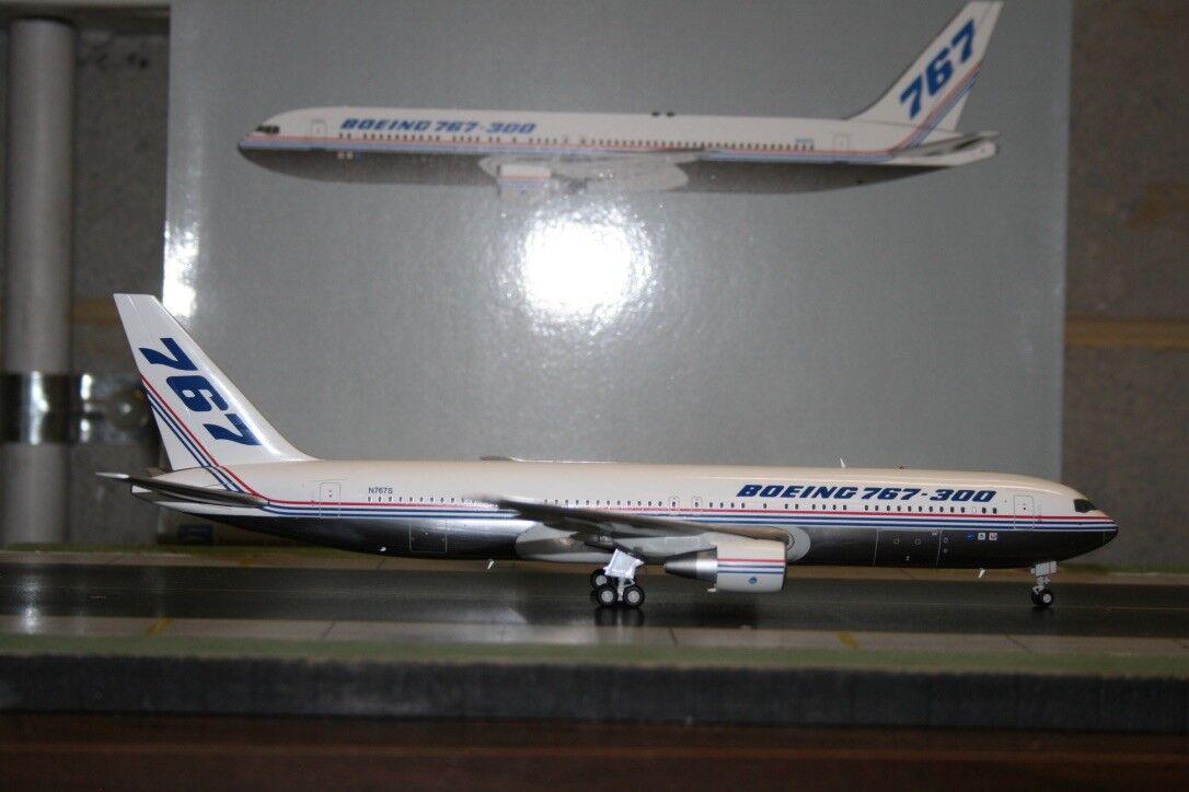 JC Wings 1 200 Boeing Company 767-300 N767S  haus  (LH2111) Modell Plane