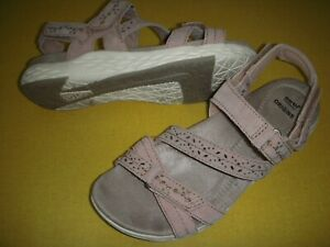 Earth-Origins-Westfield-Wendy-Suede-Adj-Sport-Sandals-Women-039-s-7-5-W-Blush-Pink