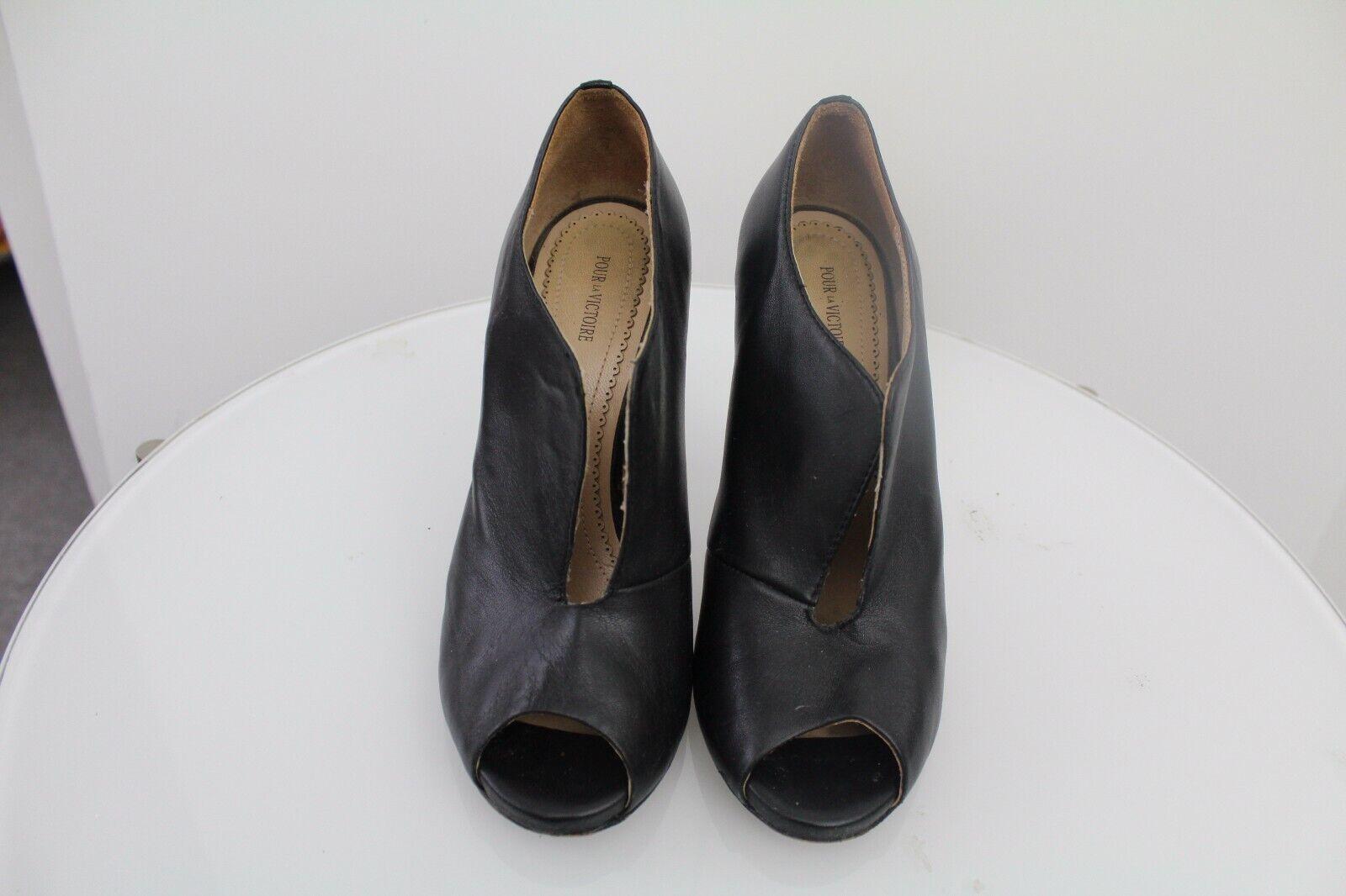 Pour la Victoire Vivie Vivie Vivie Black Leather Vamp Peep Toe gold Heel Booties 7.5 2f71e0