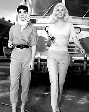 JOAN COLLINS & JAYNE MANSFIELD 'THE WAYWARD BUS' - 8X10 PUBLICITY PHOTO (BB-718)