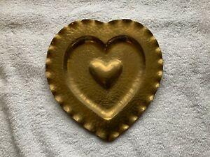 Solvang-California-Vintage-Brass-Heart-Wall-Hanger-Hummel-Metalcraft