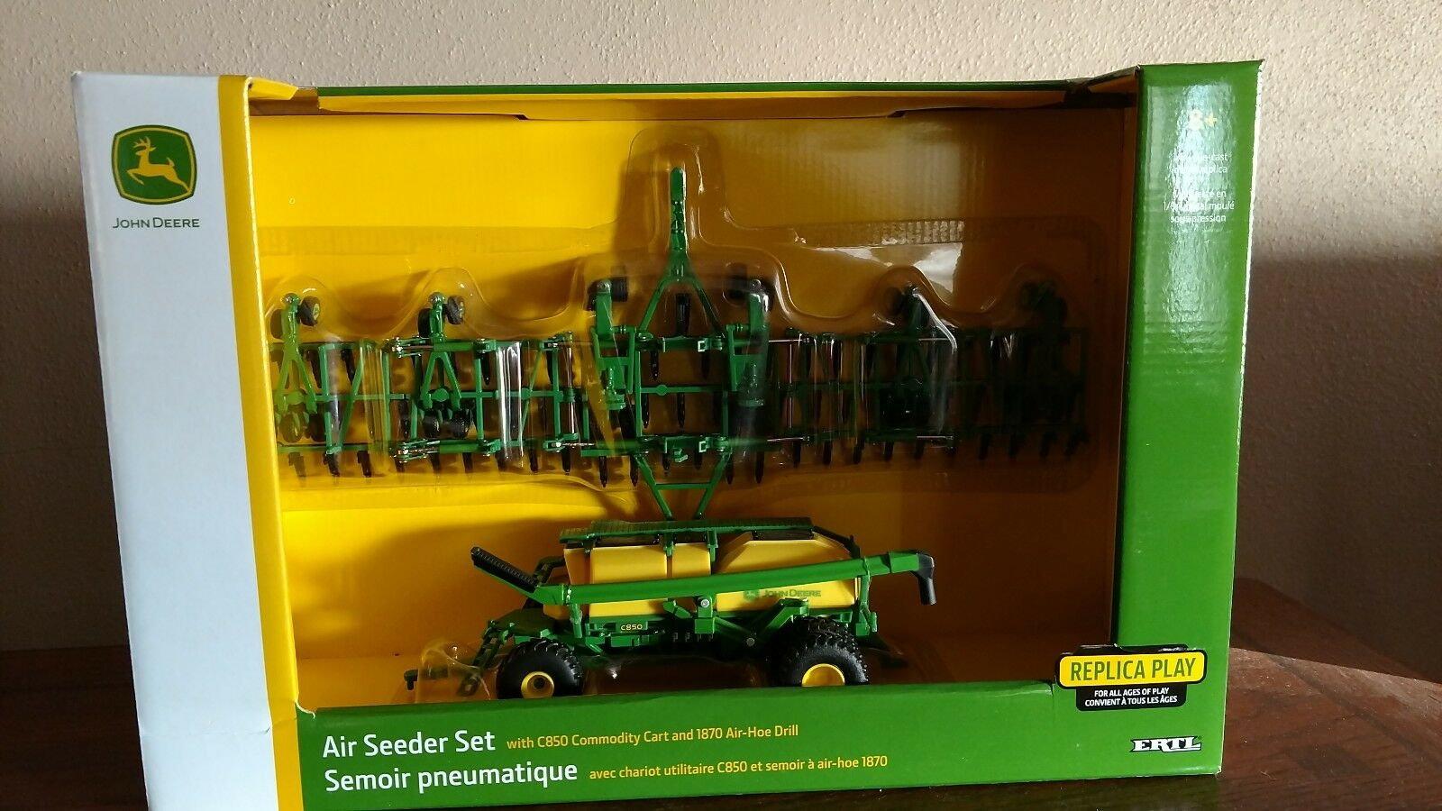 1 64 farm toys  John Deere Air Seeder
