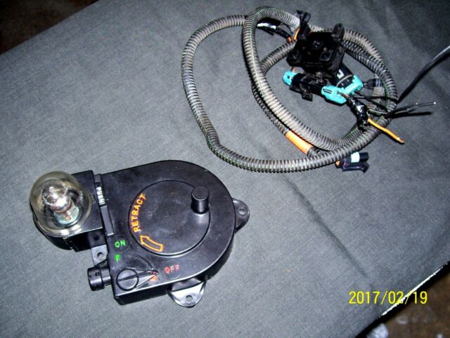 GMC CHEVY TRUCK 4X4 UNDER HOOD RETRACTABLE TROUBLE LIGHT 90's