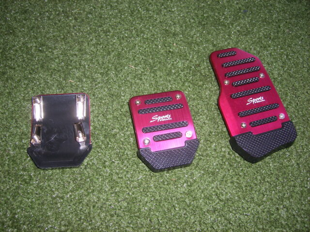 Non slip universal pedals for Manual cars aluminum red color