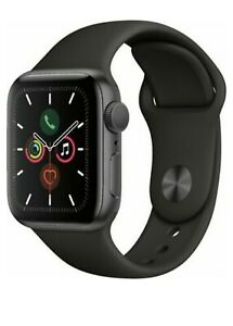 Apple-Watch-Series-4-44-mm-Space-Gray-Aluminum-Case-with-Black-Sport-Band