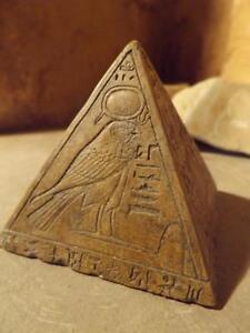 Egyptian-statue-pyramid-pyramidion-featuring-sun-god-Ra-amp-adoratore-ochre