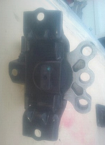 CHEV SONIC ENGINE MOUNTING