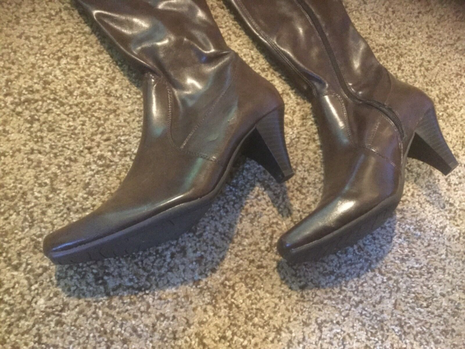 Slight Use BASS Vienna Stretch wmns 6.5M Braun Leder Stiefel. IN Box.