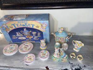 Bunny Tea Set 14 PC Tea Set, Pâques Printemps Lapins vintage Mercuries 1994