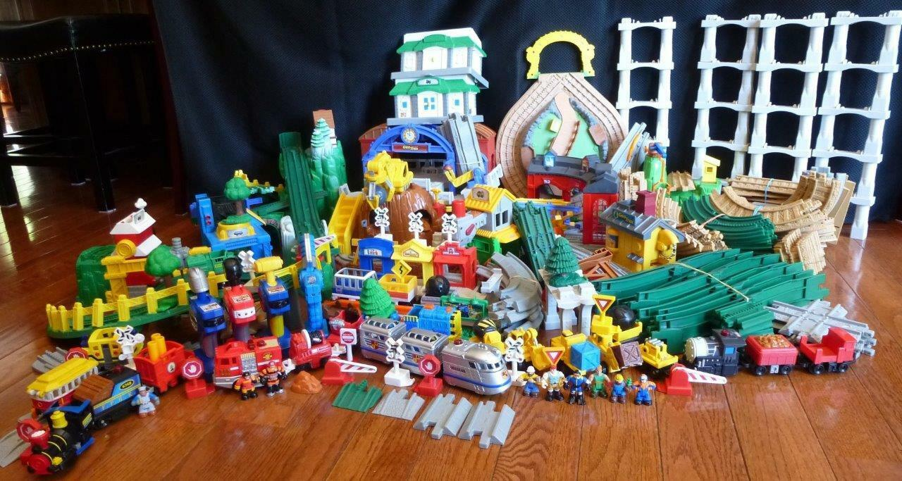 GeoTrax Train Train Train Huge Lot Mountain Blast Construction Roundhouse Knight 5-Train Jed a8d575