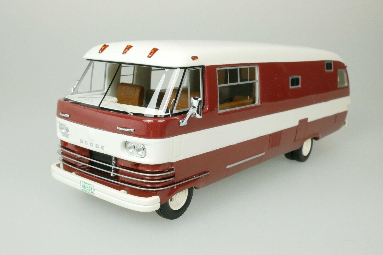 1:43 Neo Dodge Travco brown//white