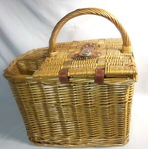 Question interesting, Vintage wine basket bottle