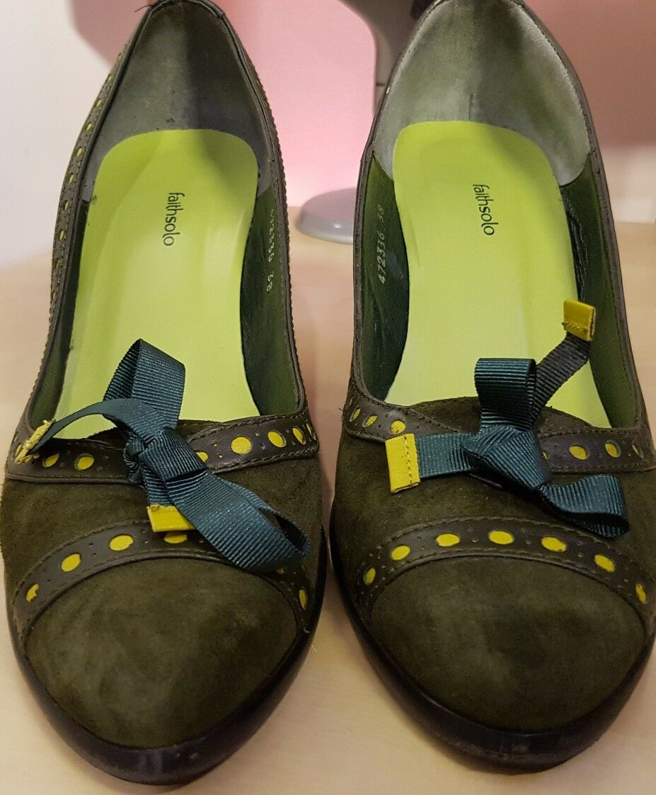 Faithsolo never forest green Size 5 worn just once
