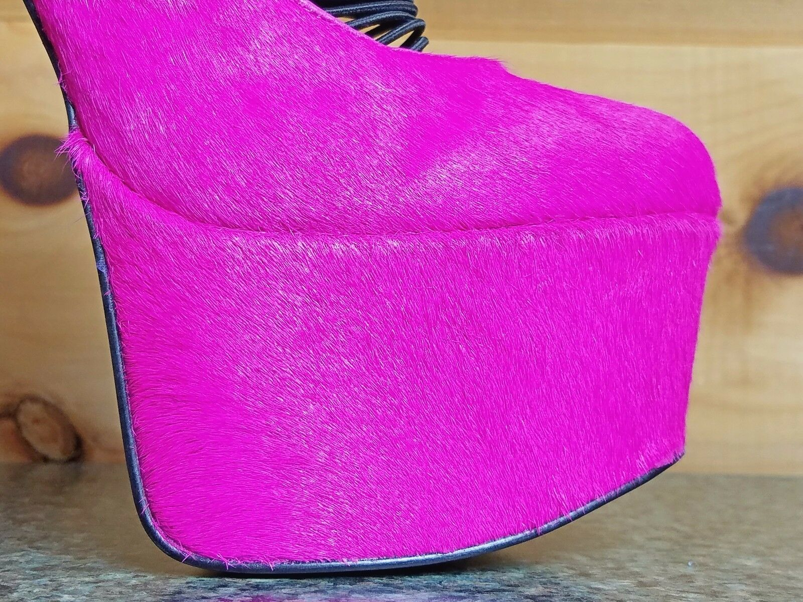 Zigi NYs London Trash Ceres Neon Berry Pony Heel Platform High Heel Pony Shoe 2be197