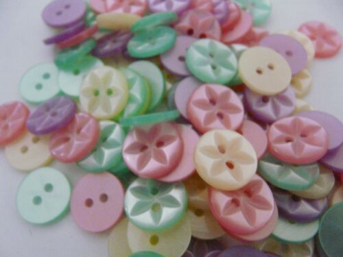 100 x ASSORTED STAR BABY GIRL BUTTONS SIZE 18-11MM.
