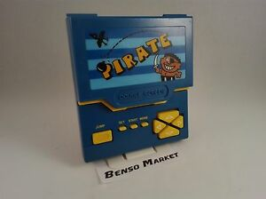 PIRATE-GAME-amp-WATCH-HANDHELD-CONSOLE-LCD-MULTISCREEN-DOUBLE-SCREEN-VINTAGE