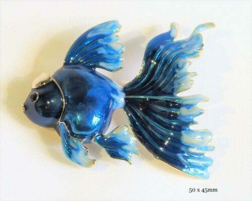 FREE UK P/&P CG6855...ENAMELLED BROOCH OF A FANTAIL BLUE FISH