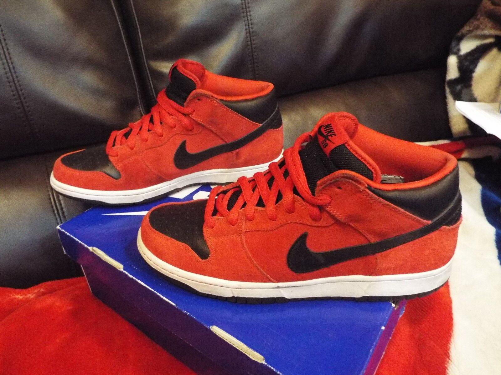RARE Nike Dunk MID Pro SB Taille 9.5 RARE CONSIDERED DESIGN rouge DEVIL 314383 600