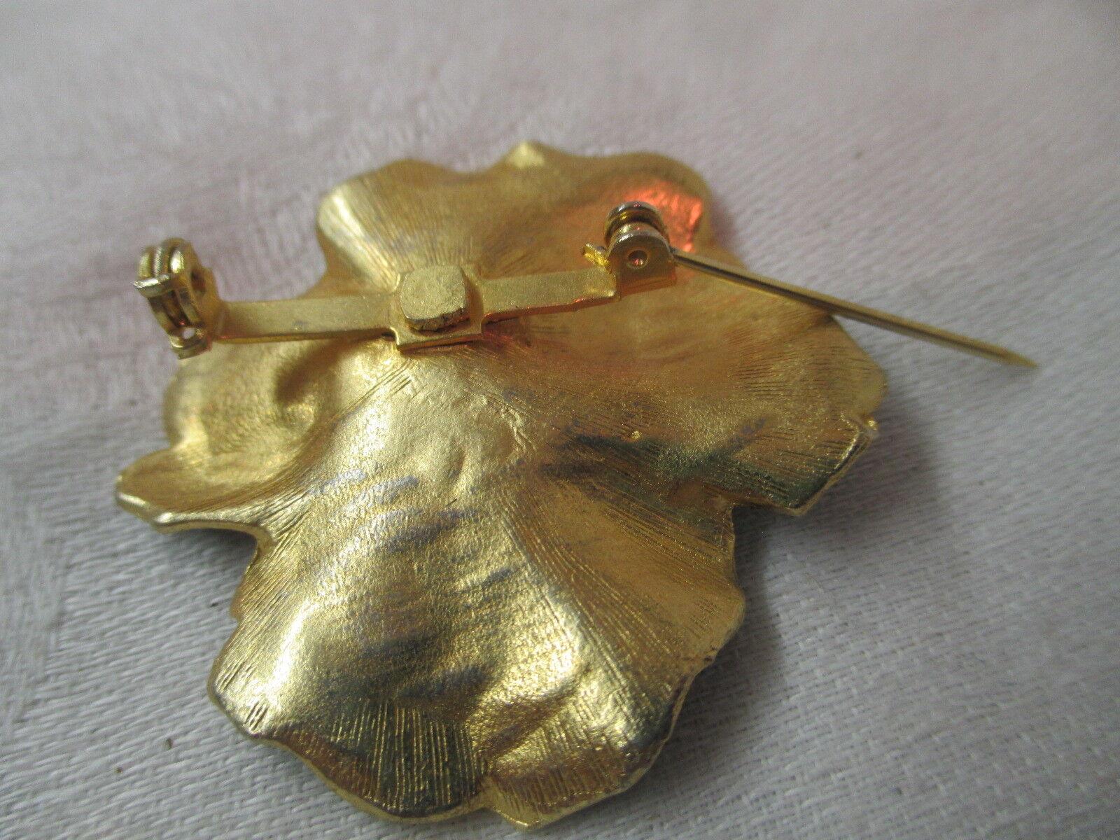 Vintage gold tone Brooch Pin black & yellow Ename… - image 2