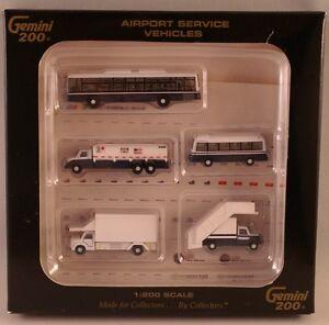 Gemini Jets Airport Service Vehicles 1/200 G2APS450