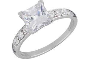 9ct White Gold Princess Cut Cubic Zirconia Engagement Ring Shoulder Stones Ebay