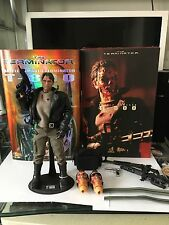 HOT TOYS 1/6 TERMINATOR MMS02 T-800 With Extra Head Sculptures