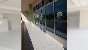 Se renta local de 132 m2 en plaza Las Palomas PMR-975