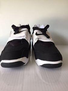 New Nike Air Diamond Turf GS 2 09 Black White Shoes 407911-011  9faea35173c1
