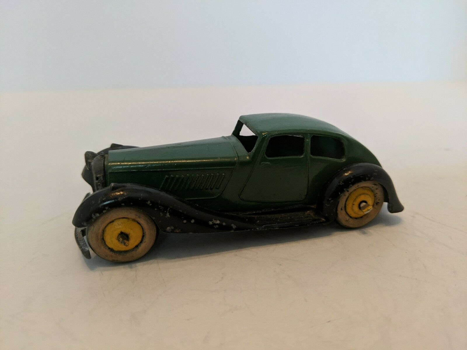 Dinky Toys Vintage Original Car 36D Rover, 1946-48 Green