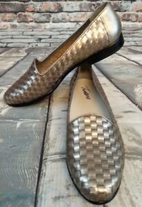 26bdb821d1 Trotters Women s Liz Pewter Woven Leather Slip On Loafer Size 7.5M ...