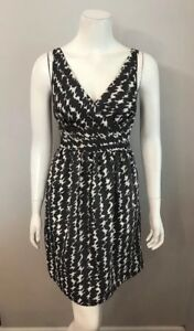 366dfff7996 Image is loading NWT-Ann-Taylor-Gray-White-Squiggle-Print-Sleeveless-