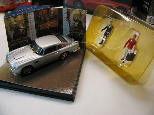 1 43 Aston Martin DB5 (1963) with 2pcs figure diecast