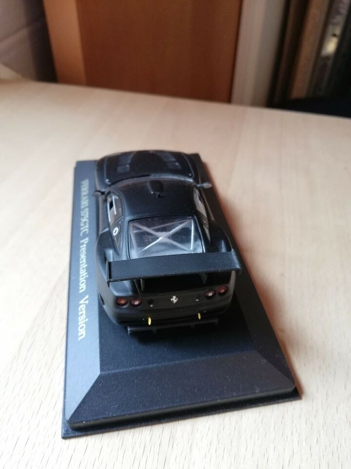 Modelbil, Ixo Ferrari 575 GTC, skala 1:43
