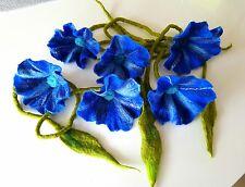 Blumengirlande aus Filzwolle , Filzranke, Filzblume royal-blau