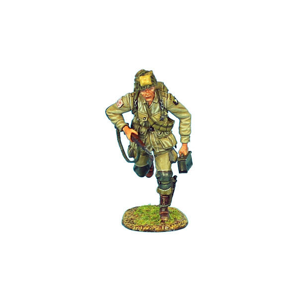 NOR003 US 101st Airborne Paratrooper Running with M1 Garand  by First Legion
