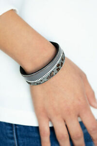 Paparazzi-Jewelry-Bracelet-Flirtaiouisly-Feline-Silver-NWT-4769