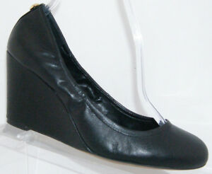 Vince-Camuto-Elmay-black-leather-round-toe-slip-on-scrunch-wedge-heels-7M