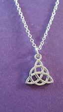 Celtico Trinity Nodo Triquetra Ciondolo su raffinato Placcato Argento
