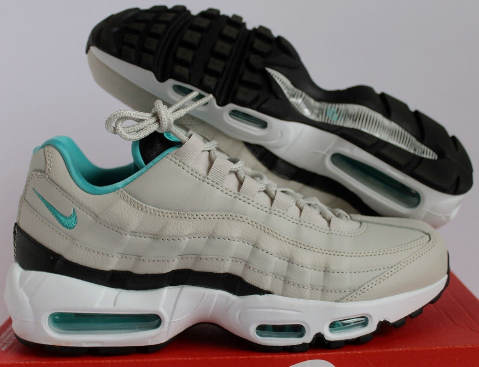 NIKE AIR MAX 95 ESSENTIAL LIGHT BONE-SPORT TURQUOISE-BLACK SZ 8.5 [749766-027]
