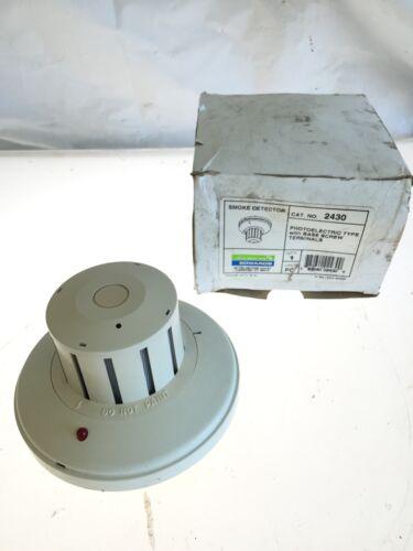 NEW IN BOX Edwards 2430 Photoelectric Type Smoke Detector w// Base Screw, B190