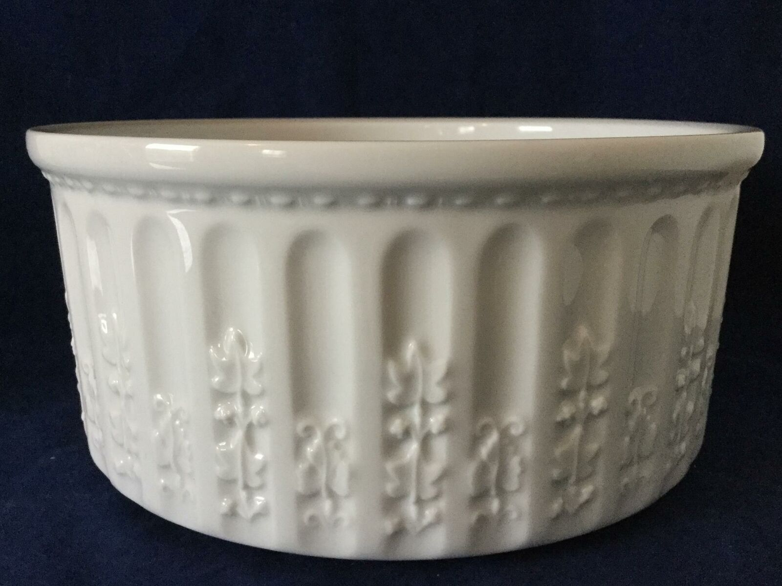 Beautiful blanc Bernardaud LIMOGES France Louvre Serving Dish FREE SHIPPING